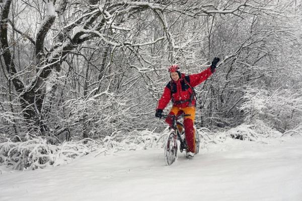 Att använda dubbdäck på cykeln på vintern