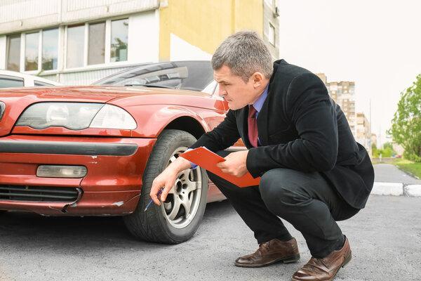 Kontrollera dina däck inför varje säsong